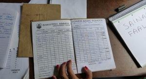 cuaderno-notas-estudiante-alas-gambia